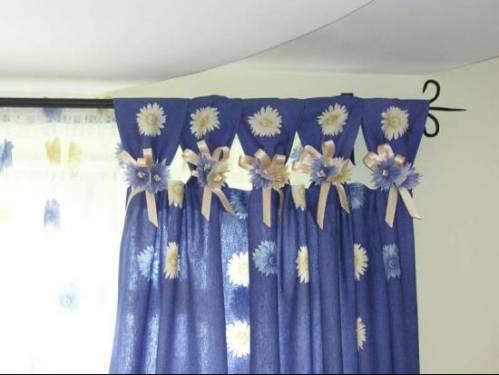 В интерьере цветы из ткани в интерьере