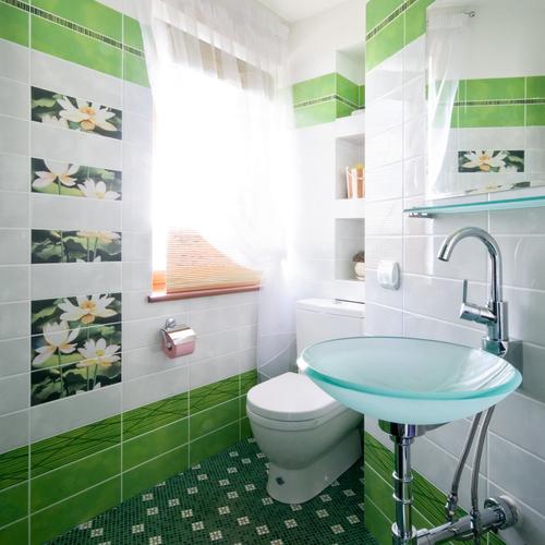 Ремонт потолка ванной комнаты своими руками 119