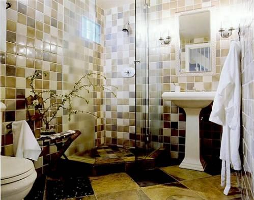 Интерьер маленькой ванной комнаты в квартире